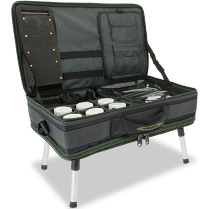 Carp Bivvy somas-kastes-galdiņa sistēma